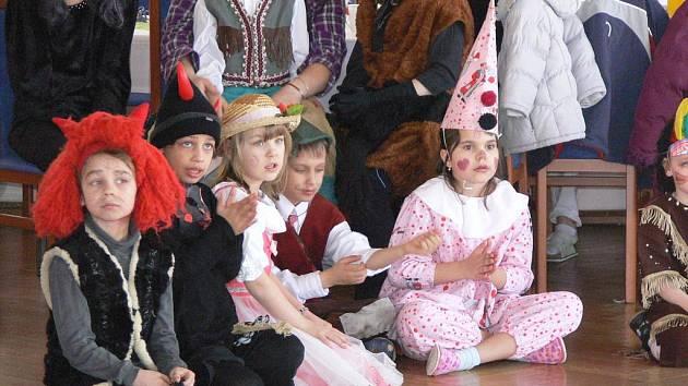 Děti i dospělí se v sobotu 12. března merendili v Hranicích.