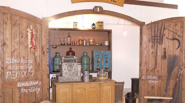 Výstava Kupecký krám je na Staré radnici v Hranicích k vidění až do 14. září.