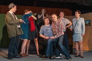 Hranickým se ostravské divadlo Devítka představí s komedií britského autora Raye Cooneyho Mayday.