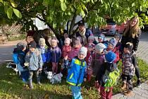 Děti z milenovského Čtyřlístku na farmě Zdeňka.