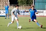 Přerovští fotbalisté (v bílém) v posledním kole krajského přeboru porazili na domácím hřišti hráče Šternberka 2:1.