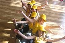Děvčata se předvedla na autorské přehlídce pódiových skladeb.