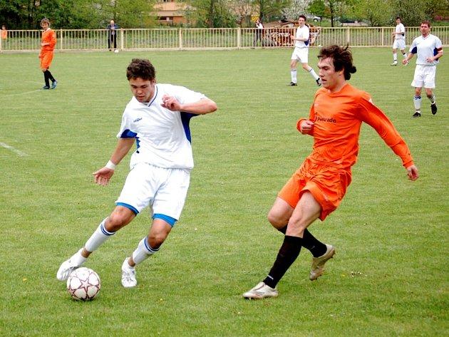 Muži 1. FC Přerov v domácím prostředí trochu překvapivě porazili první FK Mohelnice–Moravičany. O víkendu ale prohráli 2:3 v Mikulovicích.
