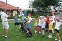 Tenisový kemp je už každoroční tradiční záležitostí pro mladé tenisty z Hranic i okolí