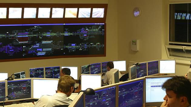 Dispečerské pracoviště v Přerově je výjimečné svým zpracováním, rozsáhlostí i technologií.