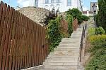 Židovské schody v Hranicích jsou ve špatném stavu.