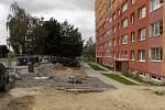 Na sídlišti Nová ještě zbývá dokončit odvodnění podzemních kontejnerů.