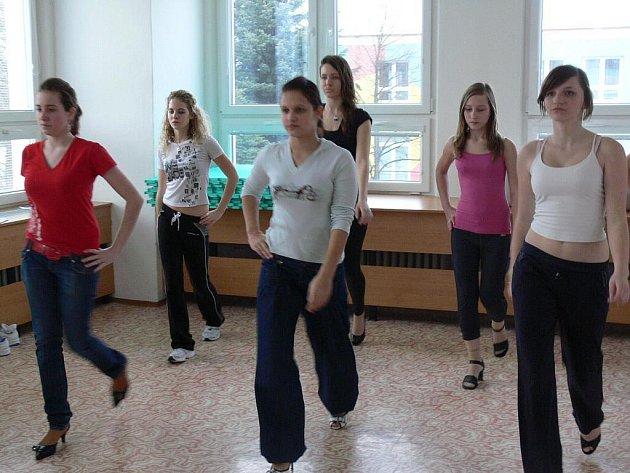 Příprava na soutěž Dívka roku 2010