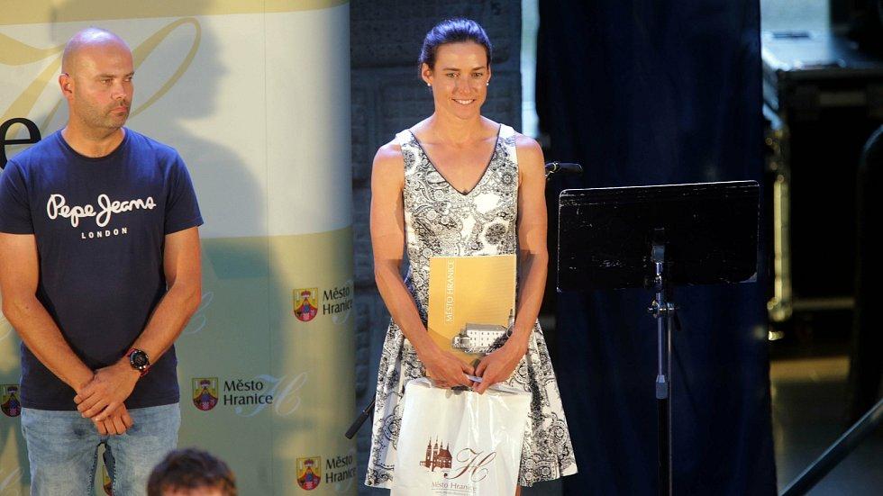 1.místo v kategorii  JEDNOTLIVCI 20 let a starší získala: Simona Křivánková                                                                                                  osobně(Triatlon Klub Hranice - Rocktechnik Triatlon)