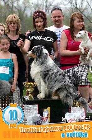 Na jubilejním desátém ročníku Voříškiády vHranicích zvítězili vkategorii voříšci pes Marley majitelky Kláry Martínkové zHorní Lideče a vkategorii pejsci bez průkazu původu australský ovčák Soren Lucie Richterové zOstravy.