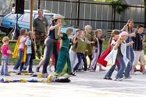 Domaželice ovládl nultý ročník country šermířského festivalu s názvem Domaželická berla.