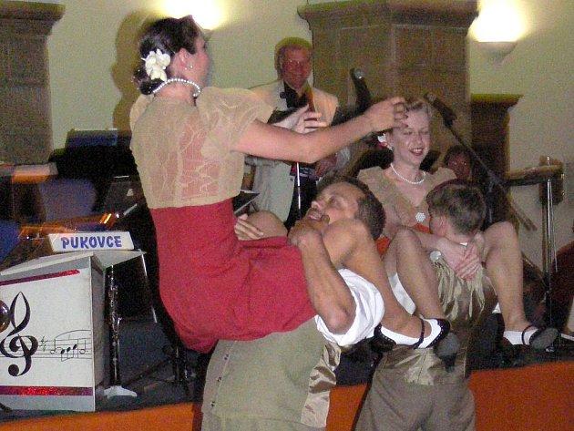 První jarní zámecký ples v Hranicích