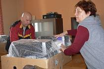Příprava na stěhování v hranickém Klubu seniorů