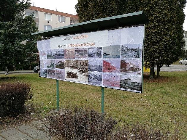 Výlepové plochy vHranicích opět ožijí. Stanou se pouliční výstavní síní a nabídnou hned dvě výstavy.
