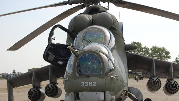 Čtyři piloti vojenských vrtulníků podali trestní oznámení na nejvyšší velení armády kvůli nesouhlasu s rozkazem, podle kterého měly skončit na přerovské vrtulníkové základně vrtulníky W3A Sokol. Ilustrační foto