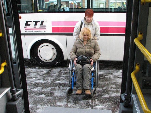 Čtyři z pěti nových autobusů jsou nízkopodlažní.