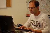 Politolog Pavel Šaradín odpovídí on-line v redakci Přerovského deníku na dotazy čtenářů.