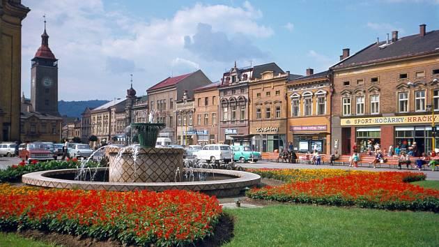 Náměstí v Hranicích rok 1976.
