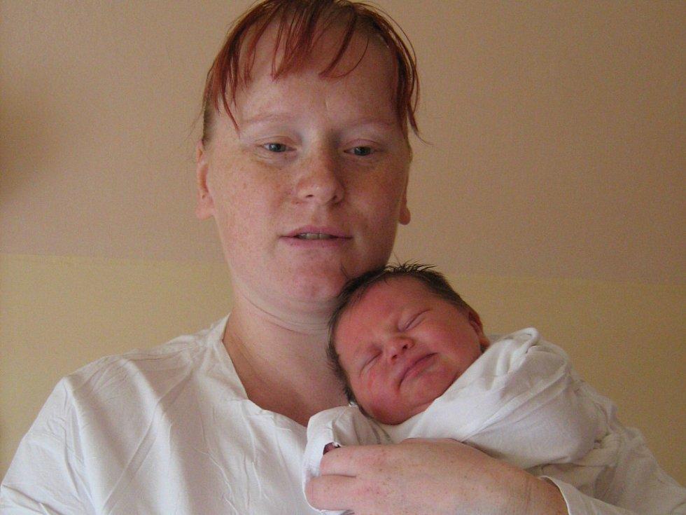 Zuzana Elefantová, Bělotín, dcera Tereza Elefantová, narozena 19. srpna v Olomouci, míra 50 cm, váha 3310 g