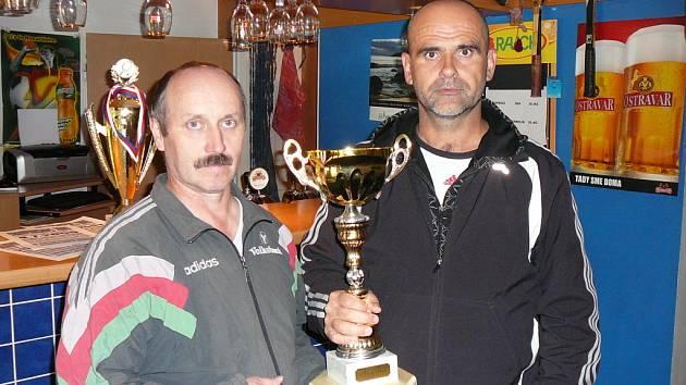 Vladislav Gajdoš (vpravo) se po velmi vyrovnaných výkonech  stal vítězem.