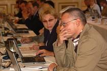 Přerovským zastupitelům došla trpělivost Na svém zasedání v pondělí 13. října vystoupili s nebývale ostrou kritikou radních a jejich nedávných kroků.