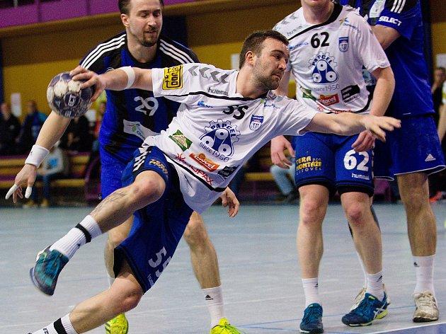 Házenkáři Hranic (v modrém) proti Litovli. Ilustrační foto