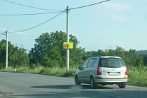 Podle průzkumu Deníku většina řidičů rychlost v obci nedodržuje. Některé spíše radary provokují k rychlejší jízdě