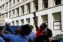 Množství sebevrahů volí k dobrovolnému odchodu ze života skok z výškové budovy.