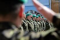 Slavnostní nástup 7. mechanizované brigády na náměstí v Hranicích