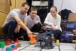 Robotický tým ze ZŠ Šromotovo v Hranicích vyhrál v mezinárodní soutěži.