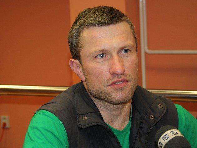 Cestovatel Marek Šimíček v pondělí 12. ledna ve 14 hodin vstoupil do Polária v lázeňském domě Janáček, kde se pokusí o rekord.