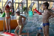 Kurzy plavání končí zábavou