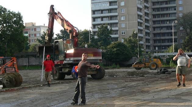 Výstavba desátého supermarketu v Přerově už běží naplno.