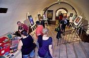 Mladá umělkyně Baruška A. Michalčíková vystavuje v Buddha Café na Masarykově náměstí v Hranicích