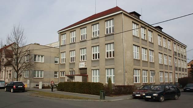 Střední zdravotnická škola v Hranicích si s největší pravděpodobností vymění budovu s MŠ a ZŠ Nová.