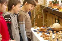 Celotýdenní výstava nabízí ke zhlédnutí celou řadu tradičních velikonočních ozdob a výrobků, ale i ukázky rukodělné tvorby.