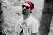 Radek Kuboš, vystupující pod pseudonymem Basta nebo BastaBeats, tak nyní chrlí jeden singl za druhým. Mezi jinými například skladbu Superstar ve spolupráci sDj Fluxem nebo píseň Marseille, na kterou vznikl přímo ve Francii také klip.