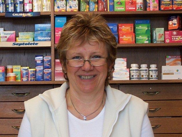 Adriana Röderová ve své lékárně pomůže denně spoustě nemocným.