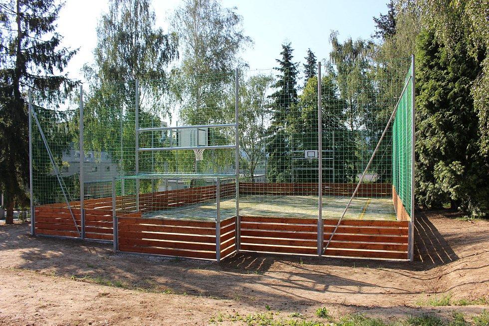 Nové multifunkční hřiště na Skleném kopci v Hranicích