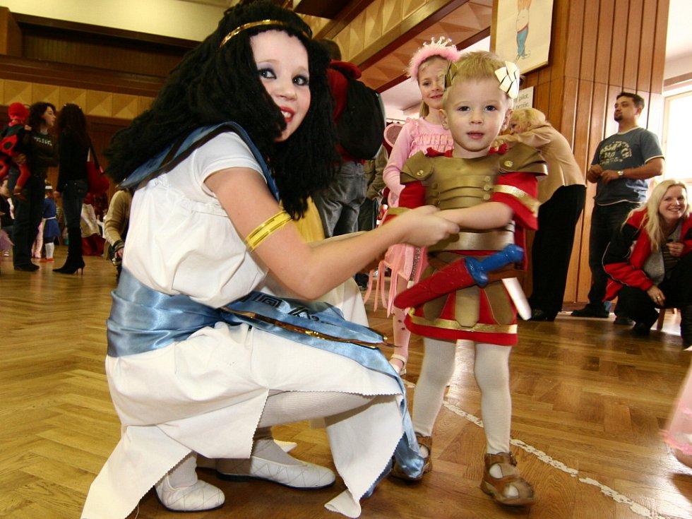 Přišla i královna Kleopatra s antickým bojovníkem,