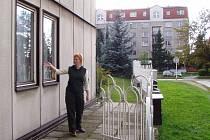Nízkoprahovka je na třídě 1. máje v budově firmy Stadoz, v zahradě zámečku bývalé Sigmy I.