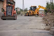 Silnice v obci Kokory je kvůli rekonstrukci pro řidiče uzavřená.