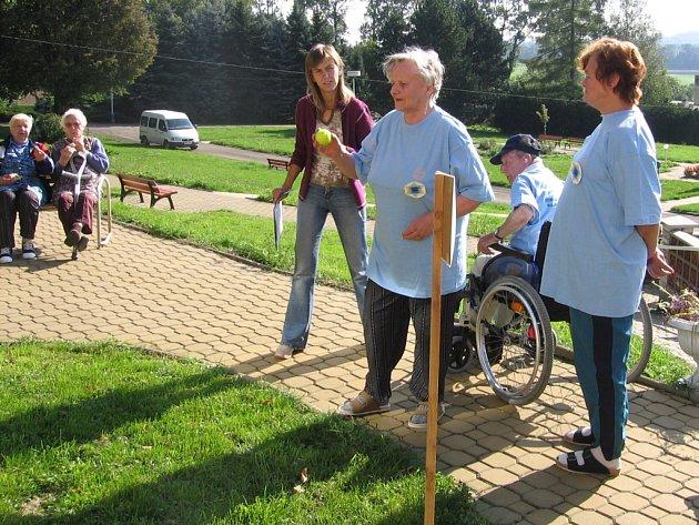 Sté narozeniny oslaví v Domově důchodců v Radkově Lhotě každoročně alespoň jeden z jeho obyvatel.