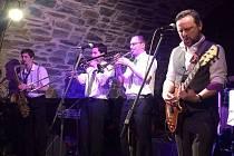 Oblíbená ska formacá Gentlemen's Club se po delší době v pátek 24. února vrátila do Zámeckého klubu.