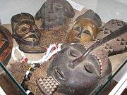 Výstavu unikátní a jedinečné sbírky rituálních sošek, masek a dalších artefaktů z Konga z oblasti Maniema s názvem Tribal Art Maniema Domorodé umění z Konga zahájila v pátek 11. května ve výstavní síni Stará radnice slavnostní vernisáž.