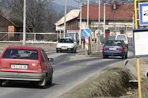 Hranická radnice slibuje v ulicích, kudy bude veden sjezd z dálnice, vybudovat zpomalovací prvky.