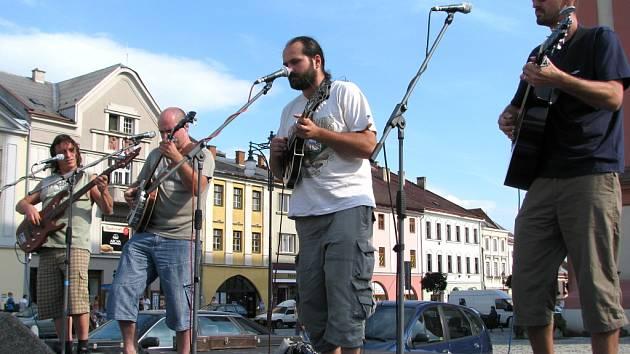Ostravská skupina Tygrasz hrála na Masarykově náměstí.