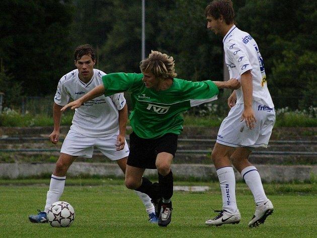 Muži SK Hranice se díky vítězství vyhoupli na třináctou příčku divize.
