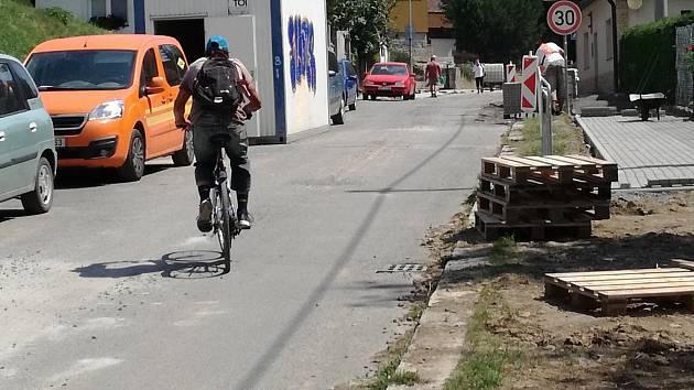 Opravy ve Hřbitovní ulici. Ilustrační foto