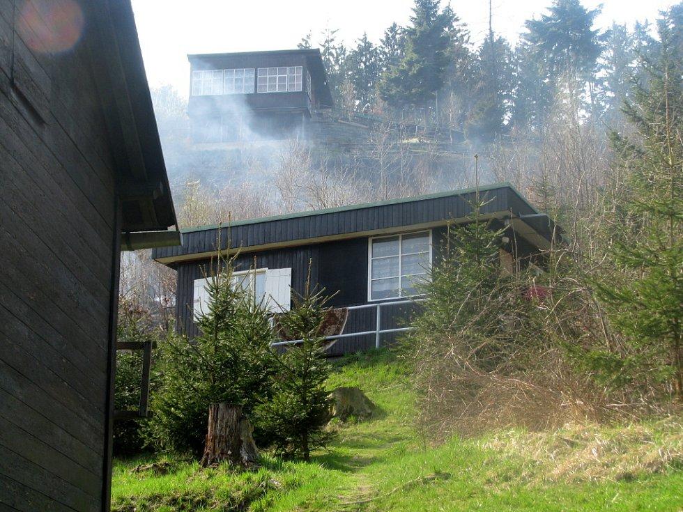 Požár lesa u Radíkova na Hranicku